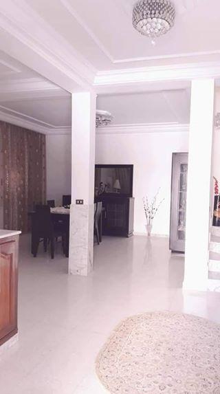 Particulier vend trés bella villa située a mourouj 5
