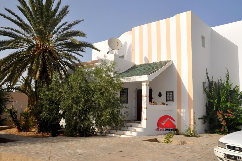 Location longue durée - villa s+4 meublée - midoun djerba