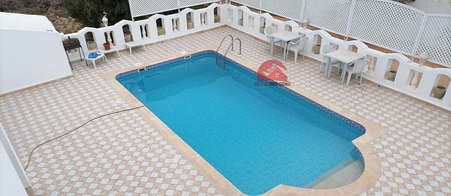 A vendre une villa avec piscine a tezdaine djerba