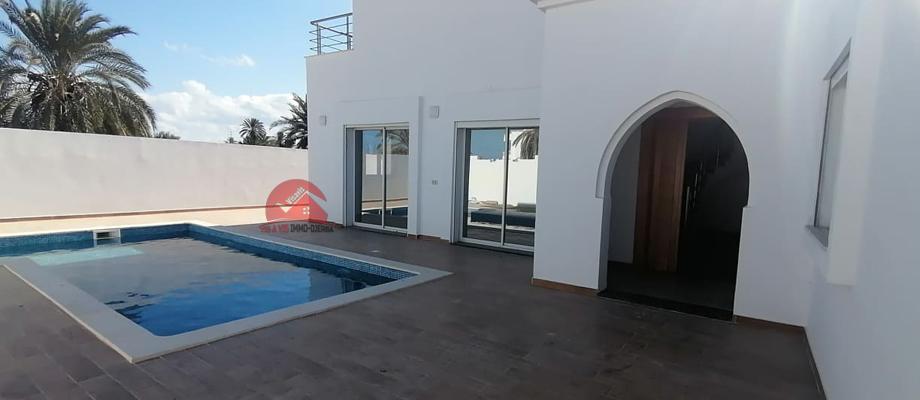 A vendre une maison neuve avec piscine a midoun djerba