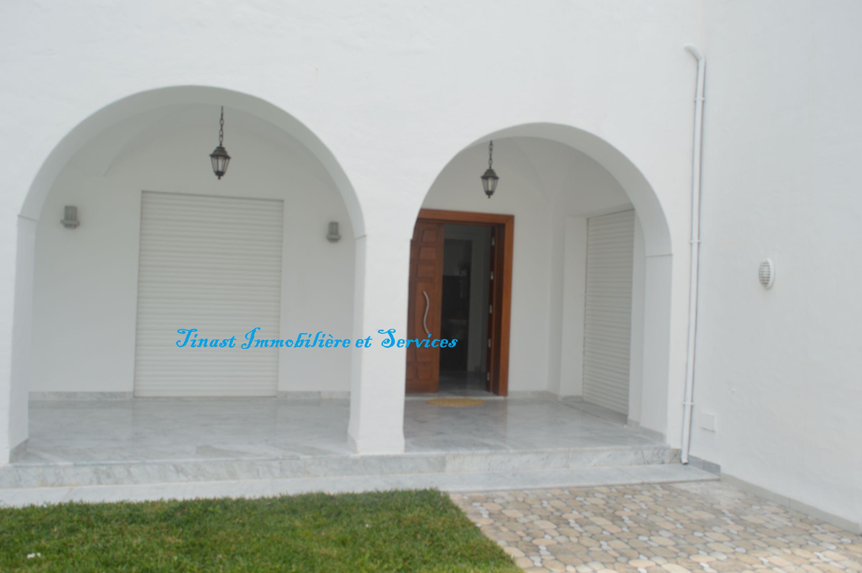 Une villa s+4 avec piscine à hammamet pour la location estivale