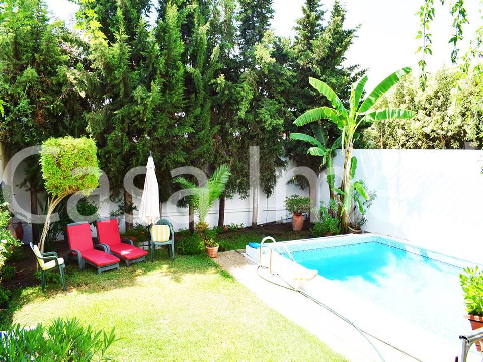 Villa avec piscine plein de la soukra