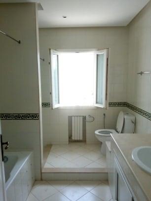 A louer un étage de villa s+4 au premier étage a gammarth supérieur
