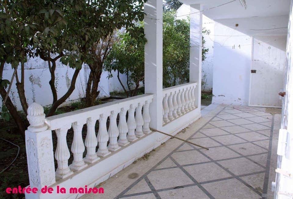 Villa jumlee a borj louzir derrier tunisie telecom