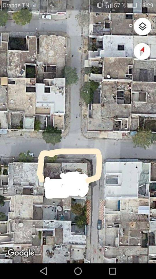 A vendre une villa s+3 a cité ezzouhour 4