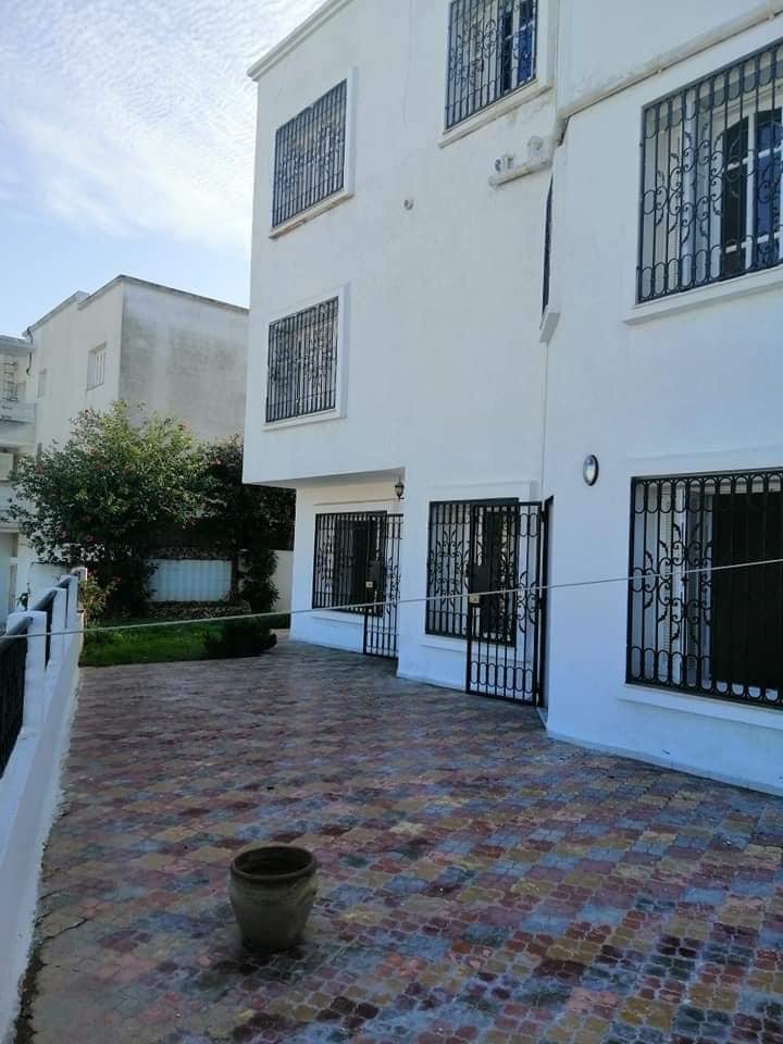 A louer villa menzah 9