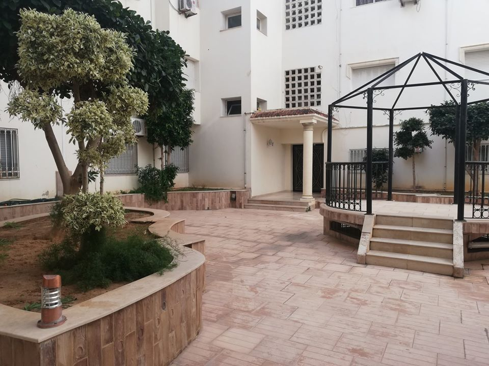 Vente bel appartement avec terrasse a riadh andalous