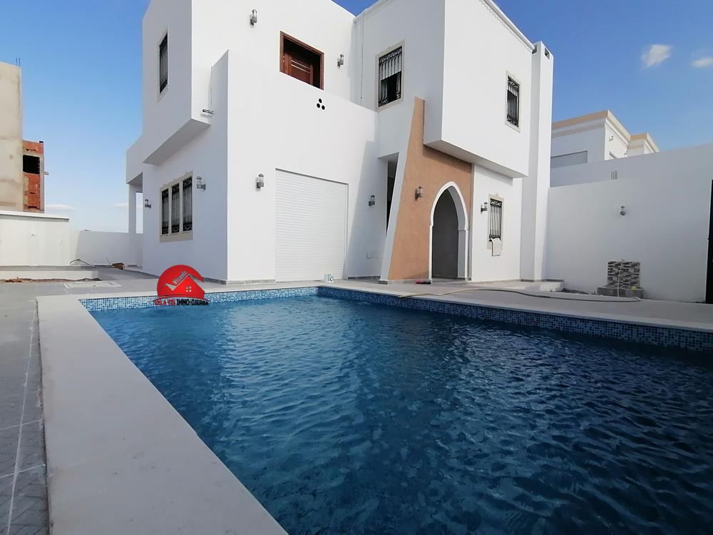 Villa avec piscine - sans meubles - a djerba houmt souk