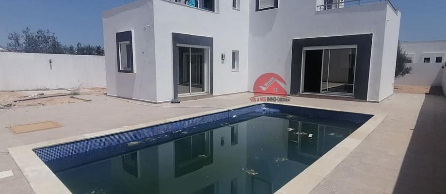 A vendre une villa neuve avec piscine a tezdaine djerba