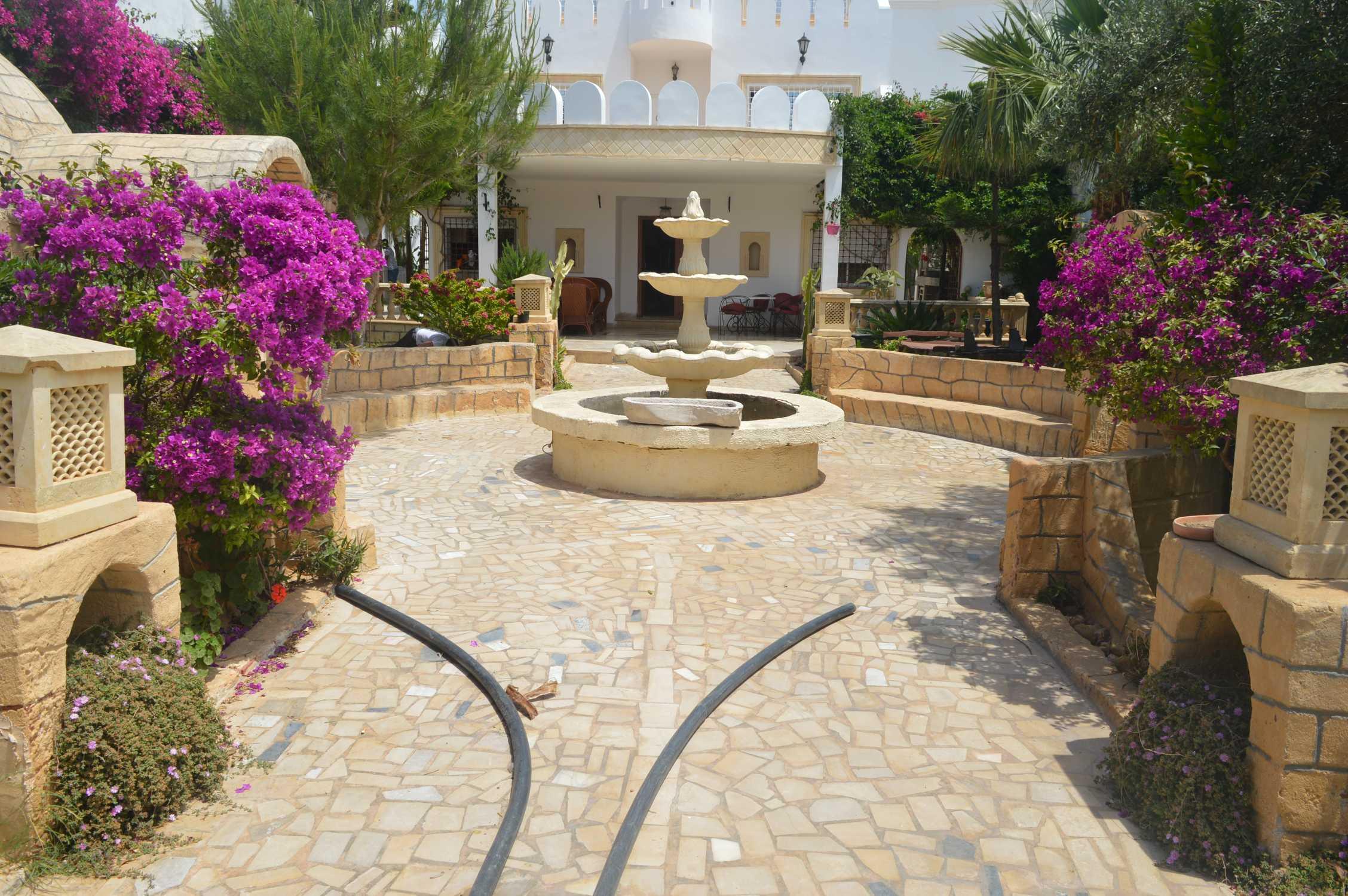 Une villa avec piscine zone les orangers hammamet