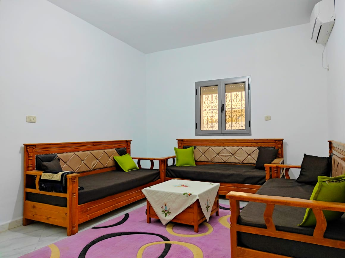 Maison lumineuse meublée avec jardin proche des toutes commodités