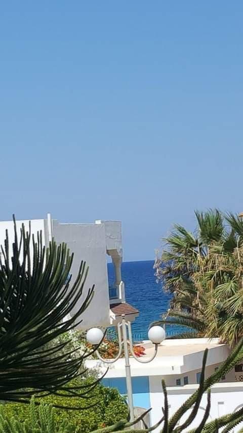 Une superbe villa a chott maria à 20 m de la plage