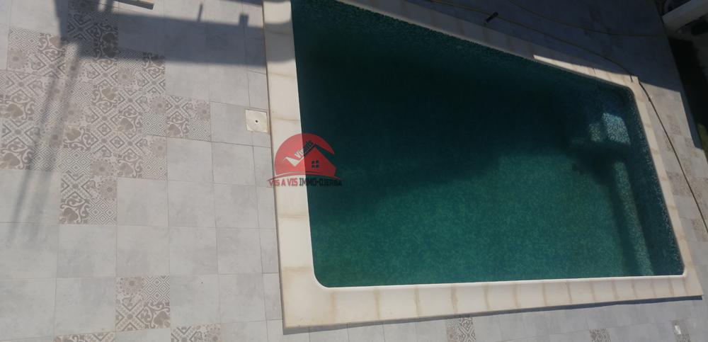 A vendre une villa neuve avec piscine chauffee a aghir djerba