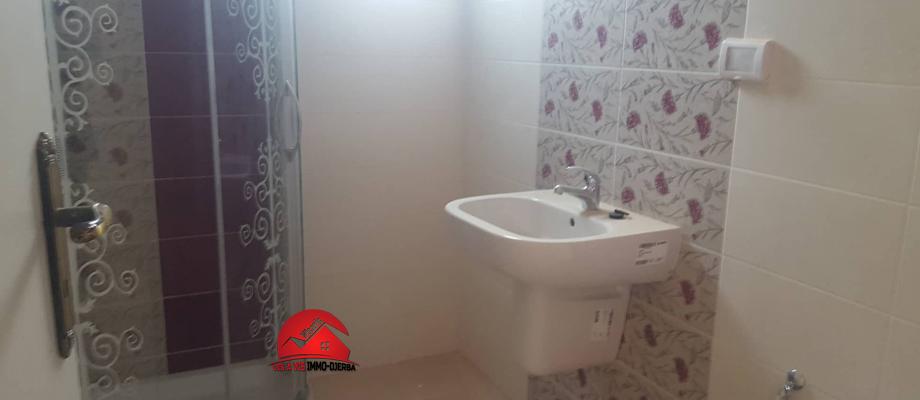 Location annuelle d une villa neuve sans meubles a houmt souk djerba