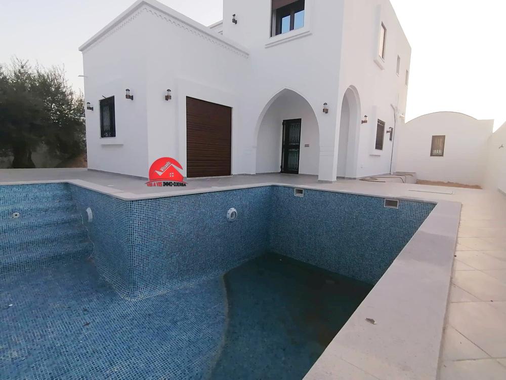 Grande villa neuve pour location annuelle - houmt souk djerba