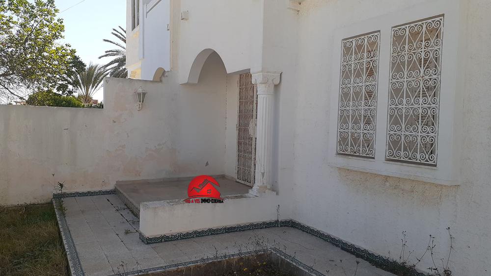 A vendre une villa a la zone touruistique djerba