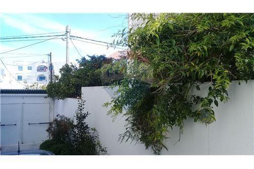 A louer une belle maison en quadruplex à cité du jardin Ettahrir