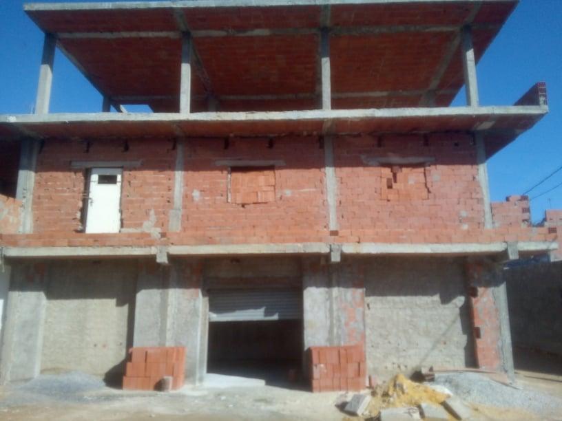 Vendre villa sur 3 niveaux avec garage a lbhar lazreg