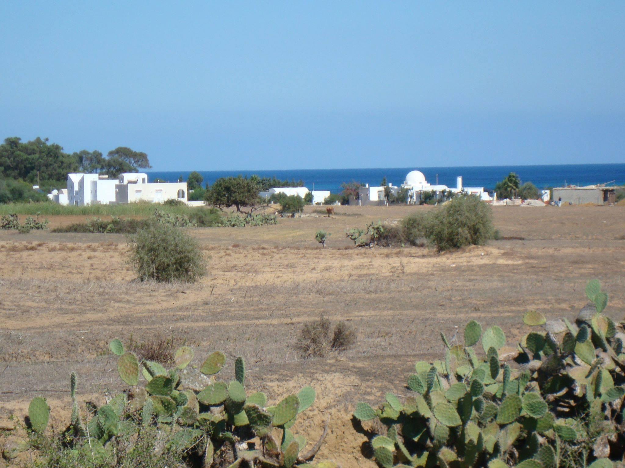 Terrain entre kerkouane et hammen laghzez