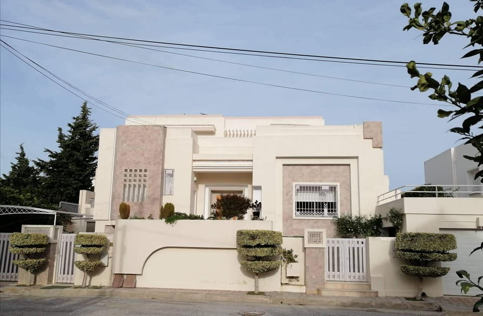 A vendre villa prestigieuse kelibia cite erriadh