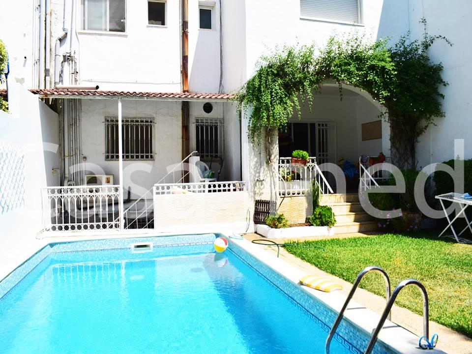 Villa avec piscine à la soukra